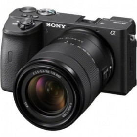 Sony Alpha 6600 con lente...